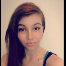 Angela, 19 ans