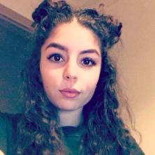 Lina, 19 ans