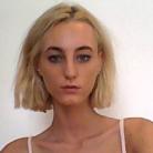 Inès , 20 ans