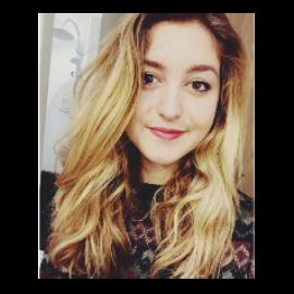 Iona, 19 ans