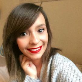 Chloe , 24 ans
