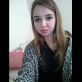 Denisa, 18 ans