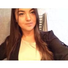 Yasmine, 18 ans