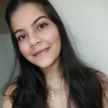 Ines, 20 ans