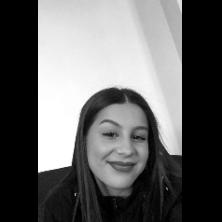 Sabrina, 16 ans